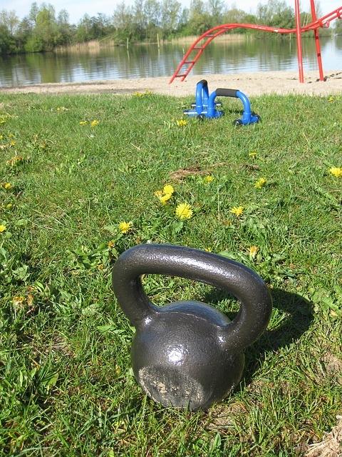 kettlebell-bootcamp lifesquare fitness